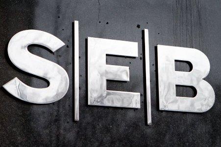 توقعات SEB لليورو والاسترالي والين أمام الدولار