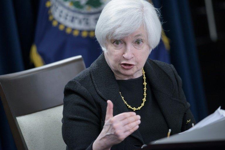 يلين: رفع الفائدة تدريجيًا سيكون مناسباً