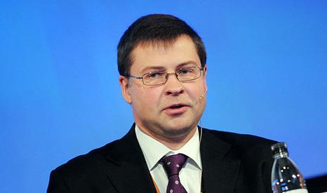 ديمبروفيسكيس: المحادثات اليونانية لاتزال مستمرة ونقترب من اتفاق نهائي