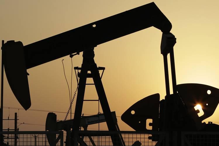 الأموال تتدفق لسوق السلع بتألق النفط، فهل تنتقل الراية للذهب؟