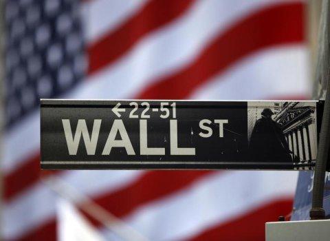 تراجع ملحوظ للأسهم الأمريكية في مستهل التعاملات الأسبوعية
