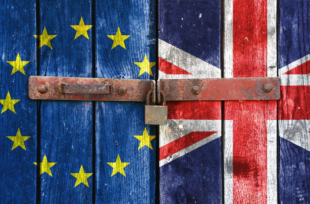 الأزمة البريطانية بين تأييد صناع القرار ومناهضة الشركات الكبرى