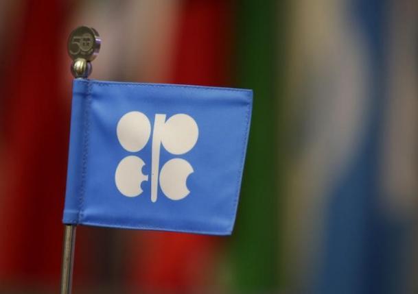 أوبك قد تؤجل مناقشة تمديد اتفاق خفض انتاج النفط الى بداية 2018
