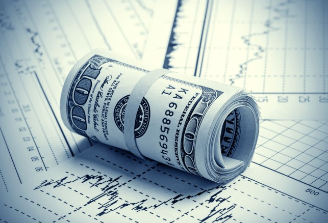 الدولار يتراجع بشكل طفيف بعد بيانات الناتج المحلي