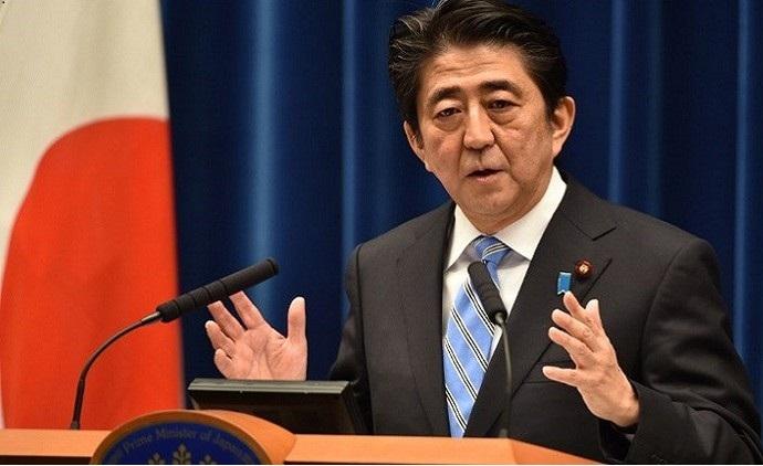 رئيس الوزراء الياباني يناقش زيارة الرئيس الإيراني الشهر الجاري