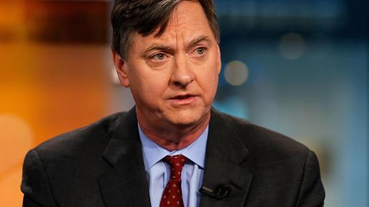 عضو الفيدرالي إيفانز: بحاجة إلى التأكد من ارتفاع التضخم قبل رفع الفائدة مجدداً