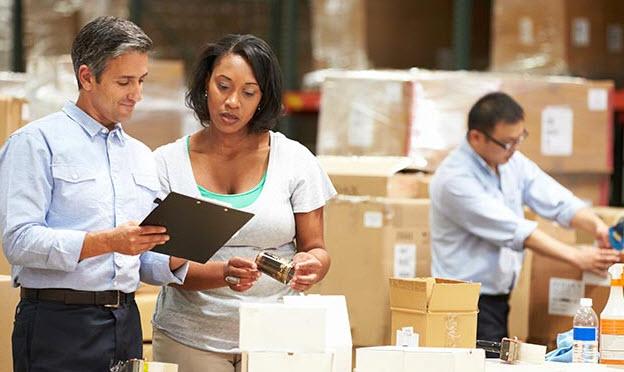 مؤشر PMI التصنيعي البريطاني يرتفع مجددًا إلى 50.1