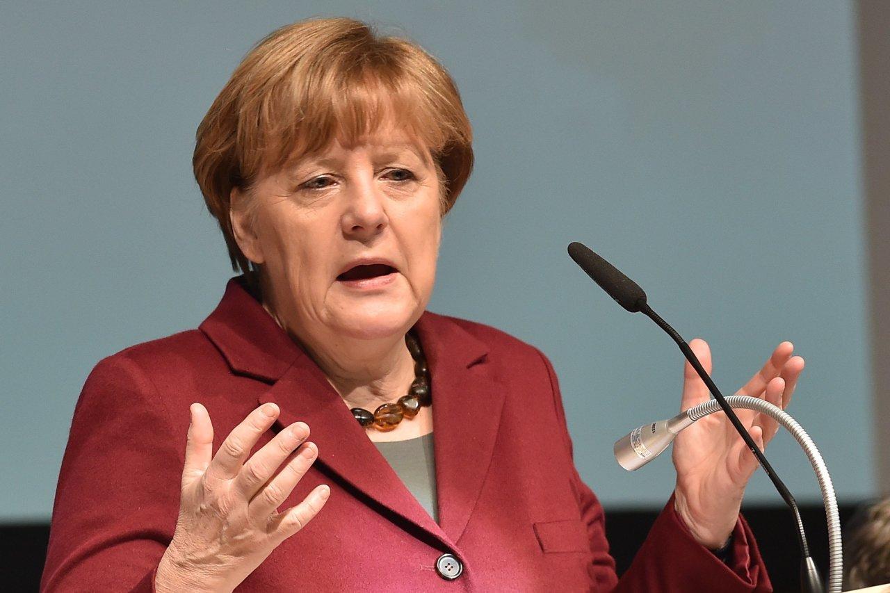 ميركل: نحتاج إلى إجابات أوروبية تجاه المشكلات العالمية