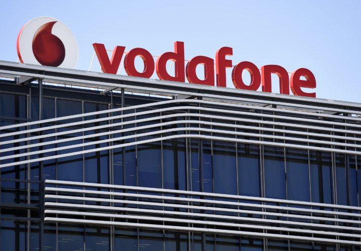 بريطانيا: فودافون تعتزم تشغيل شبكة الجيل الخامس خلال يوليو