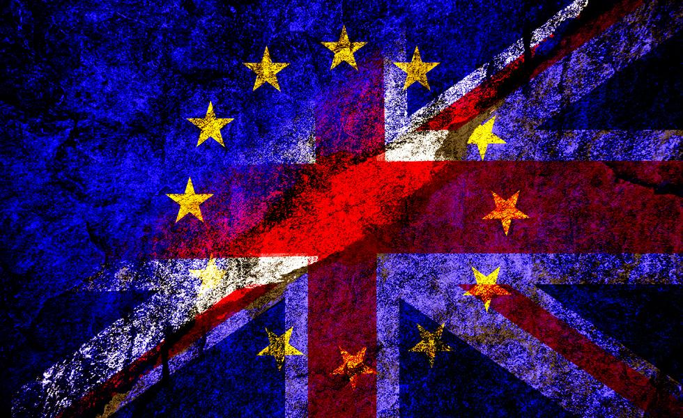 أنباء مفاوضات خروج بريطانيا تدفع بالاسترليني إلى أدنى مستوياته