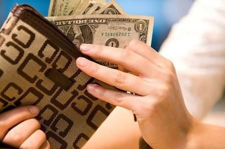 الإنفاق الشخصي في الولايات المتحدة يتباطأ في مارس