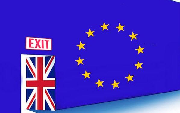 مسؤول بريطاني يلمح إلى امكانية تمديد الفترة الإنتقالية