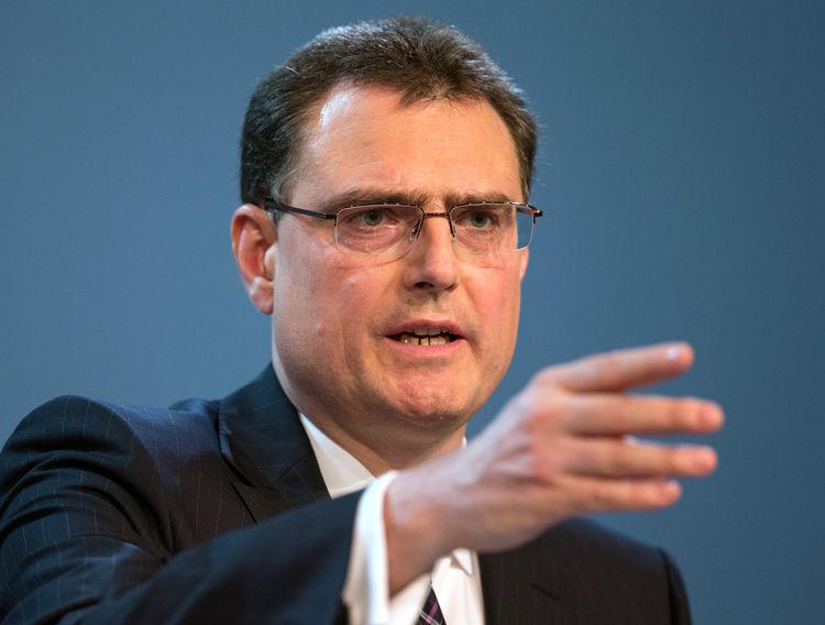 محافظ البنك الوطني السويسري: قيمة الفرنك مرتفعة بشكل مبالغ فيه