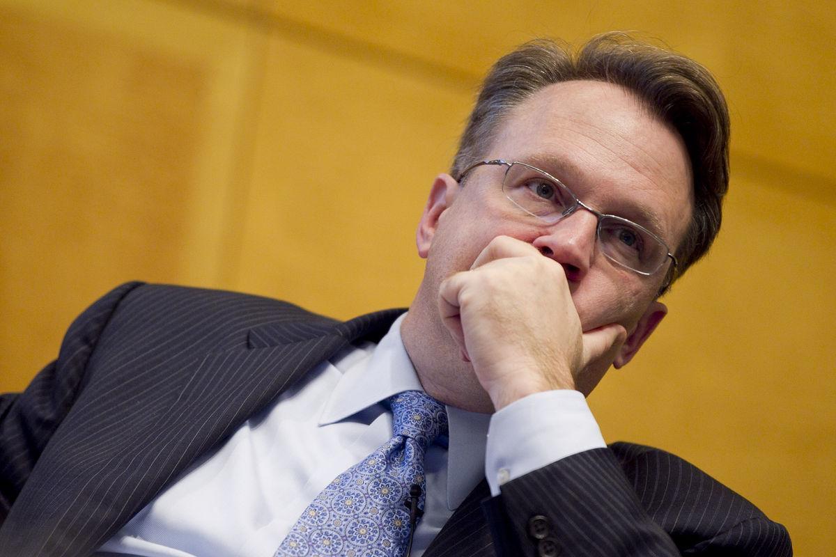 ويليامز: تسارع النمو يتطلب ارتفاع الفائدة