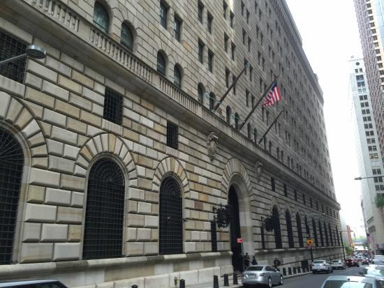 توقعات الفيدرالي الأمريكي بولاية نيويورك للناتج المحلي