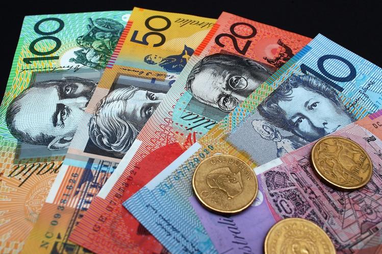 الاسترالي دولار يحقق مكاسب بعد إعادة الاختبار