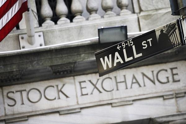 الأسهم الأمريكية تفتتح الجلسة اليومية على ارتفاع بالرغم من ضعف البيانات