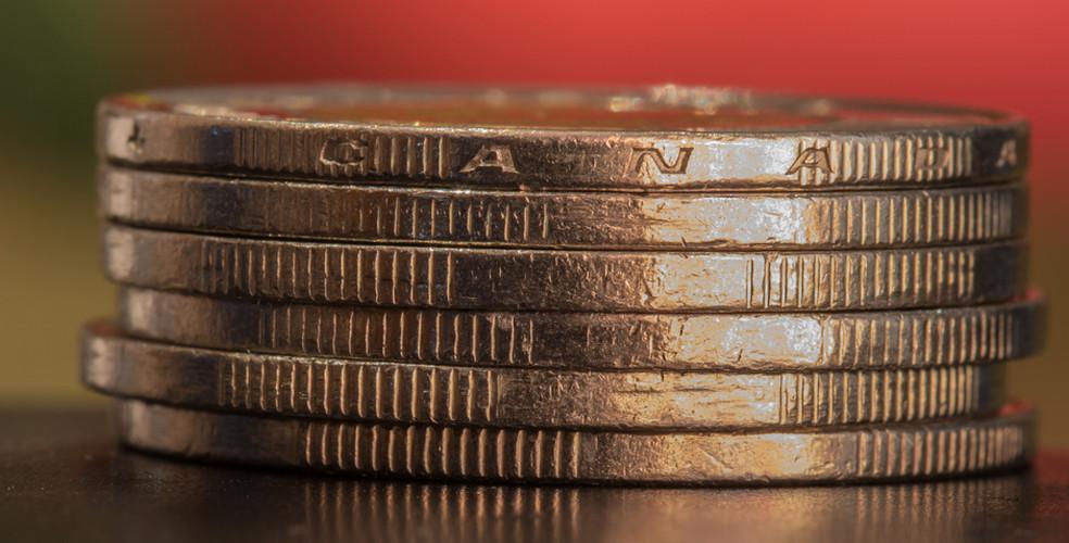 لماذا ارتفع الدولار الكندي بالرغم من الإبقاء على الفائدة
