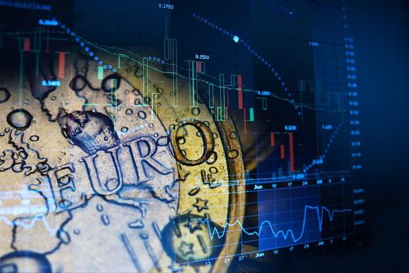 الأسهم الأوروبية تتجاوز الأزمة الألمانية وتغلق على ارتفاع