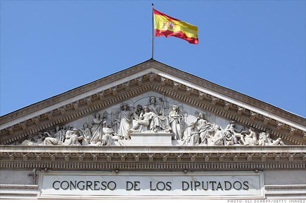 الحكومة الإسبانية تعلن استخدام صلاحيتها وفقا للمادة 155 من الدستور