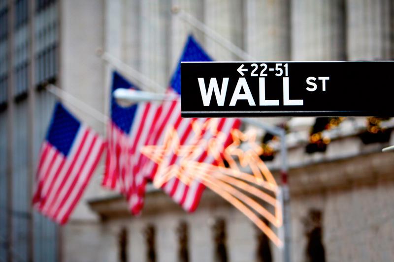 الأسهم الأمريكية تتخلى عن مكاسبها وتفتتح الجلسة على تراجع