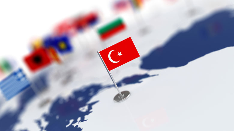 الليرة التركية تواصل تراجعها بعد انتقادات أردوغان