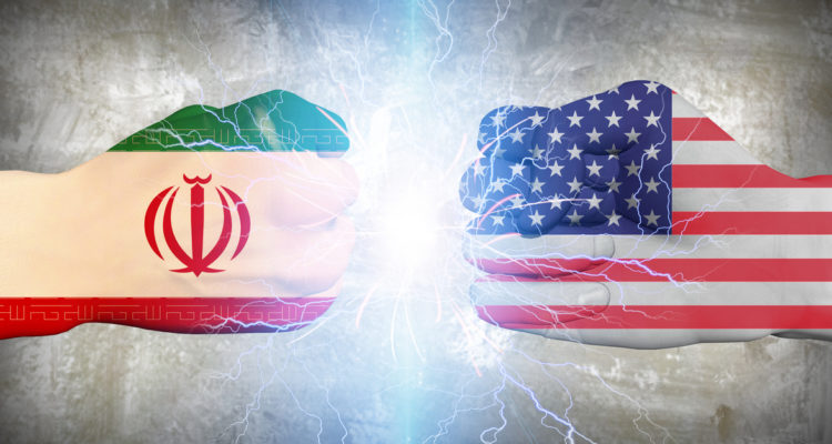 إيران تهدد بالرد على الولايات المتحدة إذا تم منع صادراتها النفطية