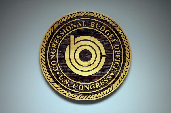 مكتب الموازنة بالكونجرس يحذر من تباطؤ الاقتصاد الأمريكي خلال الأعوام القادمة