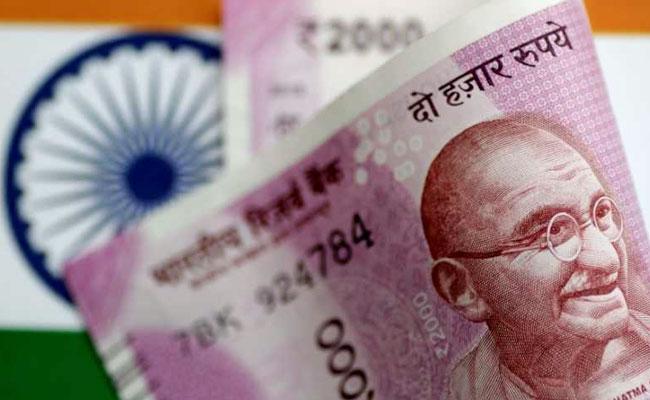 المالية الهندية: انخفاض الروبية أمام الدولار مؤقت ولا حاجة للقلق