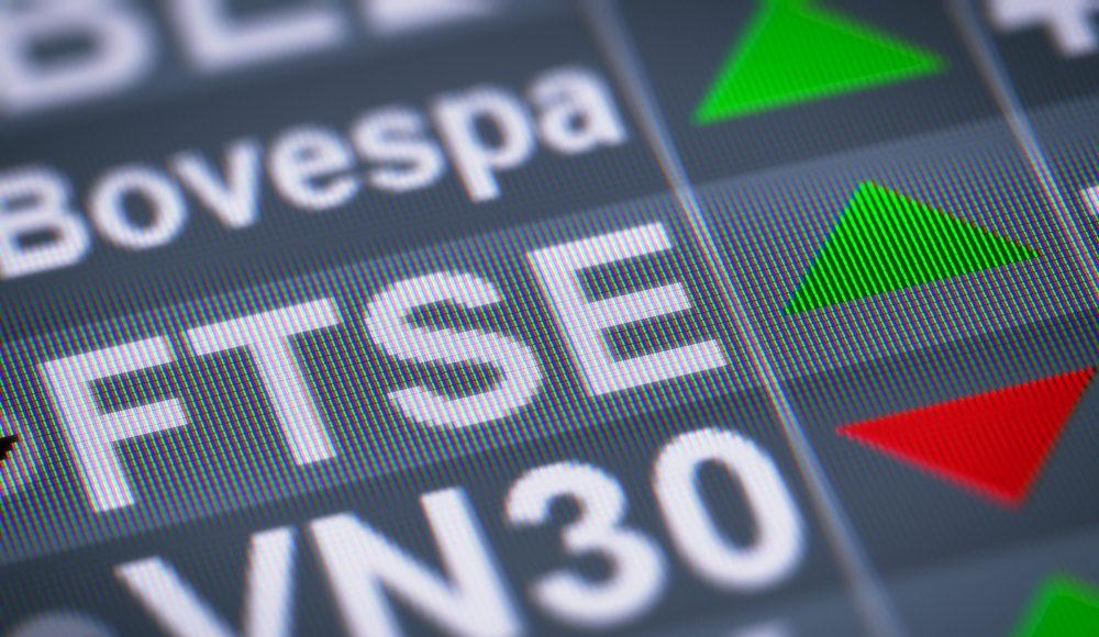 FTSE البريطاني يخالف الأسهم الأوروبية بنهاية الجلسة
