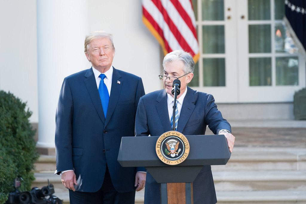 تقارير: ترامب يجتمع مع محافظ الاحتياطي الفيدرالي