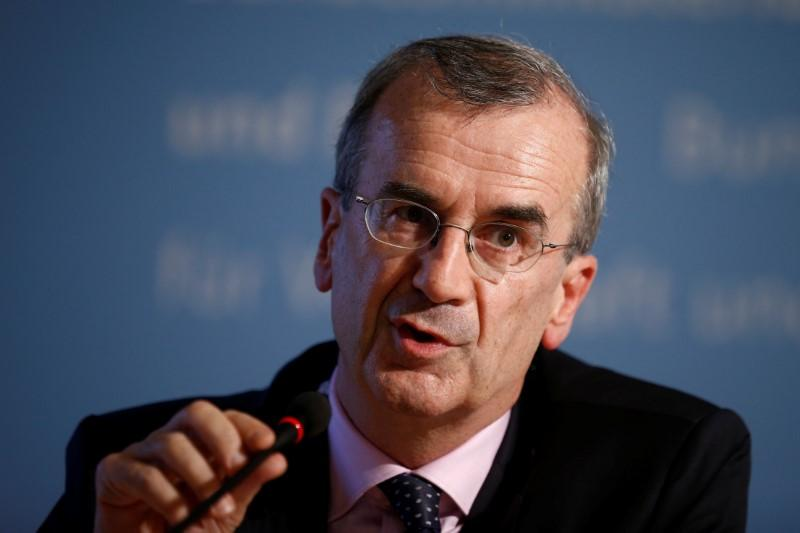 عضو المركزي الأوروبي، فيلروي: يجب دراسة تداعيات الفائدة السلبية