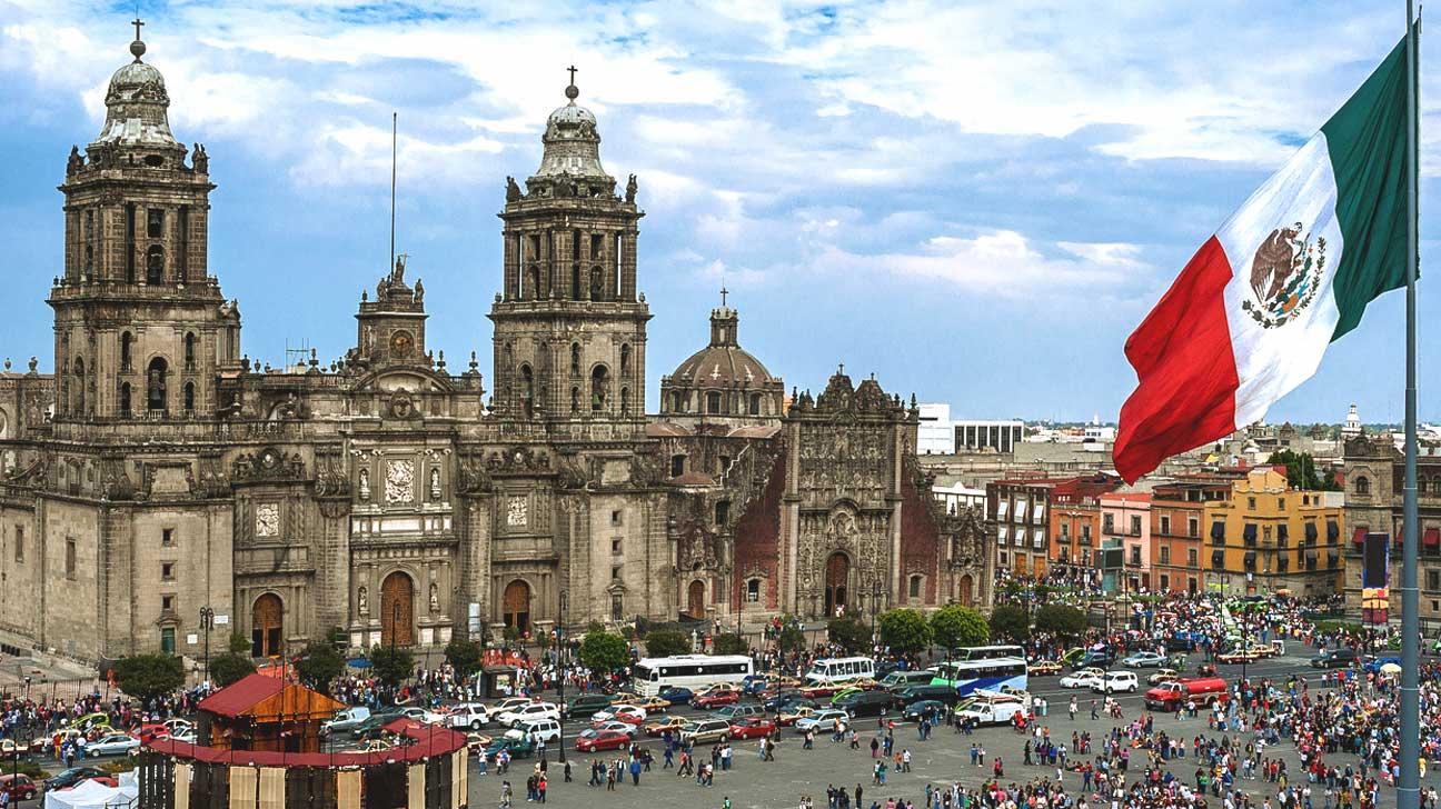 المكسيك تخطط لزيادة إنتاج النفط المحلي وتقليص اعتمادها على الوقود المستورد