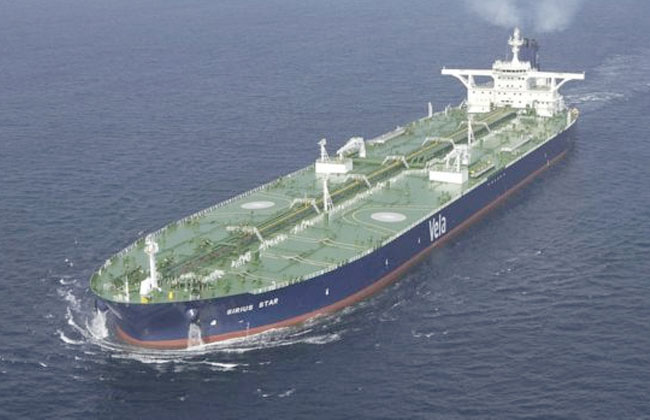 بريطانيا تُرسل سفينة حربية إلى مياه الخليج