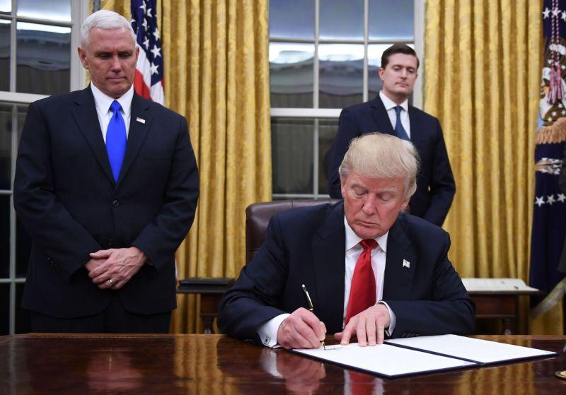 ترامب يعتزم الإعلان عن رسوم جمركية جديدة على الواردات الصينية