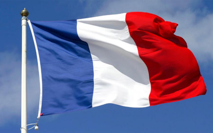فرنسا تطالب إيران بالتوقف عن التهديد بالتخلي عن الاتفاق النووي