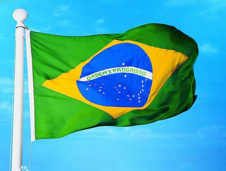 رئيس البرازيل: قيود الإغلاق تدمر الاقتصاد