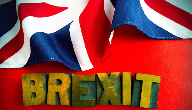 تقارير: وزراء الحكومة البريطانية يطالبون تيريزا ماي بتأجيل البريكست