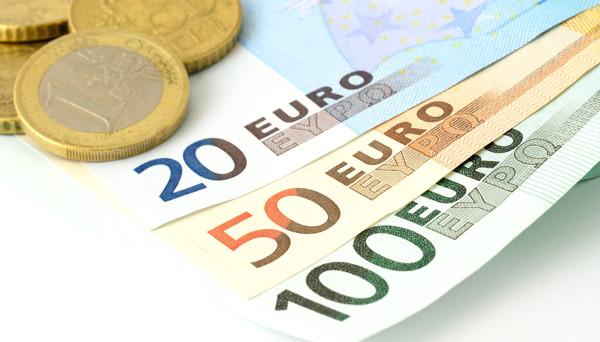 اليورو يكسر أدنى مستويات العام نحو أدنى مستويات 2018
