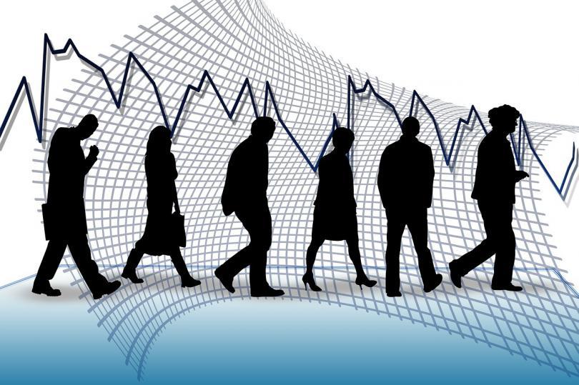 التغير في اعانات البطالة بالمملكة المتحدة يخالف التوقعات ويتراجع بواقع 4.3 ألف