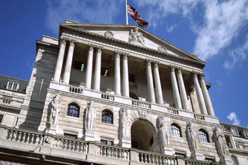 نتائج التصويت تُظهر إنحياز أحد أعضاء بنك إنجلترا نحو قرار رفع الفائدة