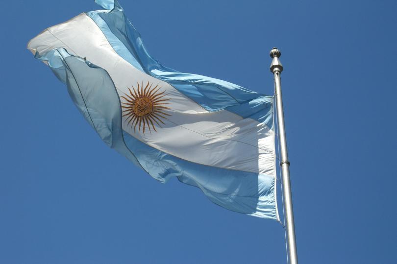 الأرجنتين تتوصل إلى اتفاق لتجنب الإفلاس