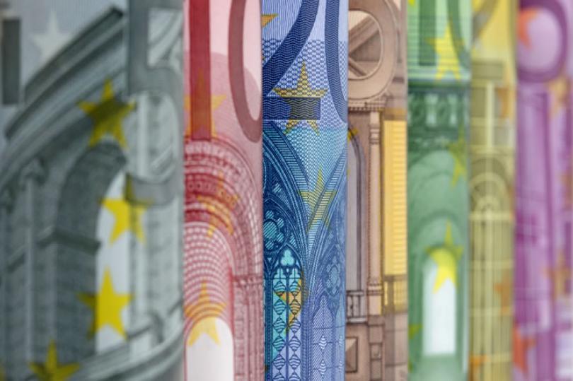 حصيلة مشتريات المركزي الأوروبي من السندات تتخطى 499 مليار يورو