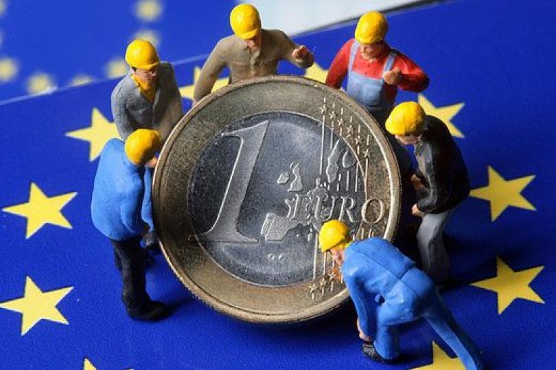 ارتفاع محدود لليورو لا يستبعد وجهة النظر البيعية