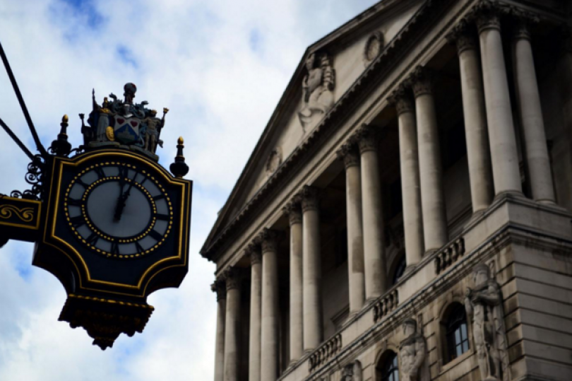 قرارات بنك إنجلترا اليوم، ماذا نستنتج منها وكيف ستؤثر على تداولات الاسترليني