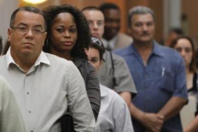 إعانات البطالة الأمريكية الأسبوعية ترتفع إلى 474.000 على غير المتوقع
