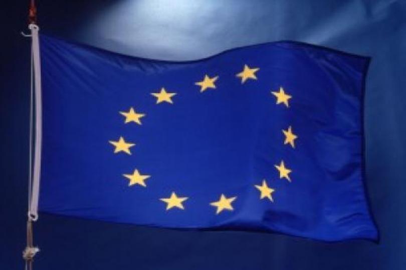 منطقة اليورو : مبيعات التجزئة تدخل المنطقة الحمراء