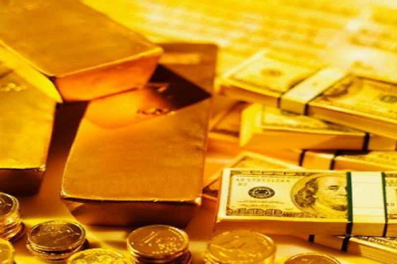 الذهب يتراجع بسبب استقرار الدولار
