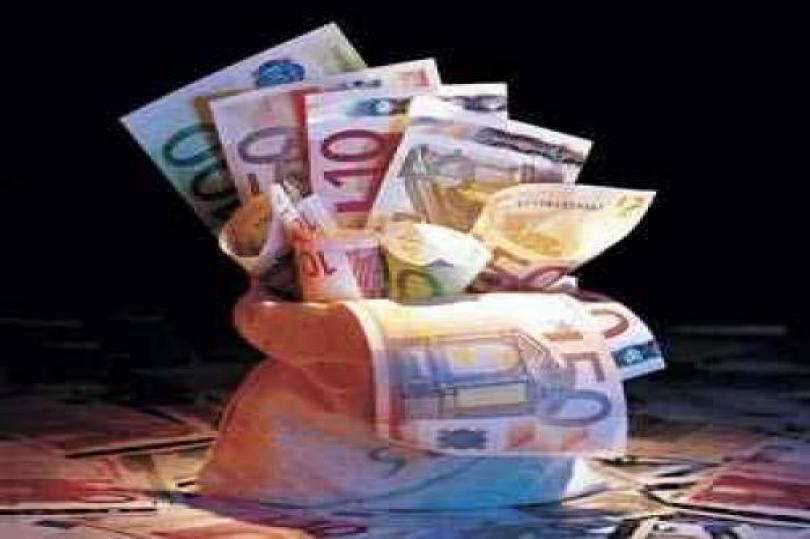 هبوط اليورو يدفع بالحساب الجاري للمنطقة إلى التحسن