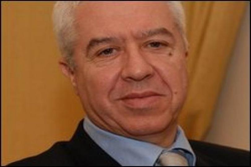 وزير المالية البرتغالي يتمسك بتوقعات النمو لـ 2010
